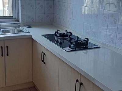 北苑小区 中装三室 家电家具齐全 看房方便13000一年