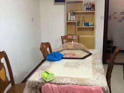 出租 安得利广场对面 金港湾小区 居家精装两室 15500一年