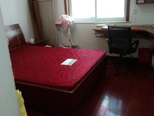 出售:鲍井新村 框架 二楼80平方,二室二厅精装修,满五唯一