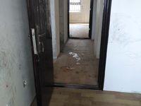出租天润公馆简装修地面是地板皮,空调,洗衣机都有