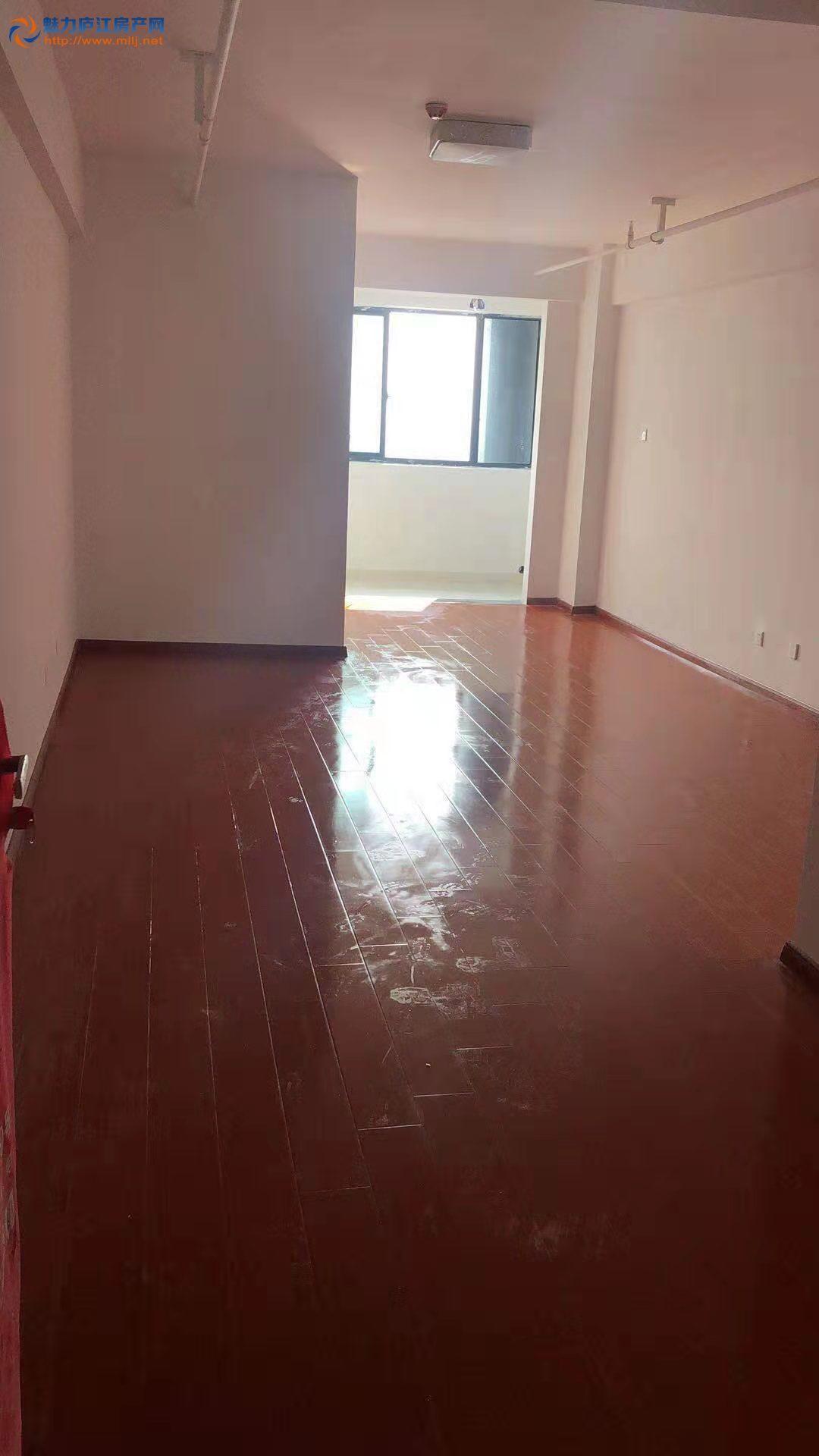 方圆荟 中心城装修一般一房出租看房方便的 要的客户要抓紧的哦