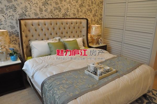 出租,西城桂花苑102平方,三房家电齐全,1.5万一年,看中可谈