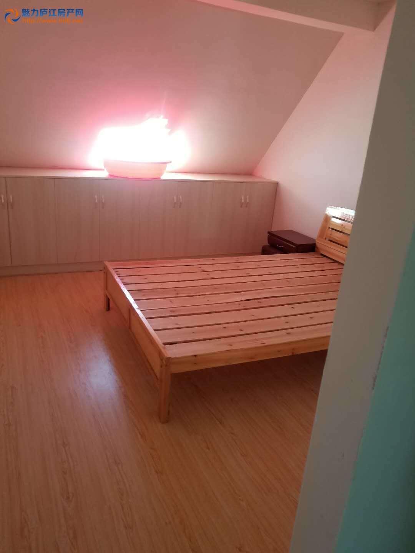出租育才花园7楼顶层110平三室二厅装修拎包入住900每月