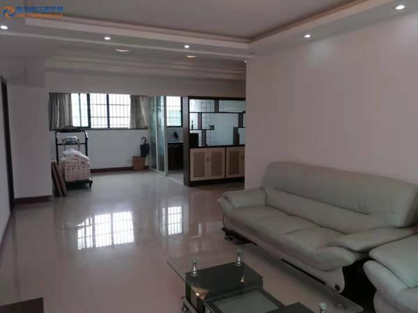 其他小区绿水雅阁六七复式送超大露台160平方米精装6室3厅3卫带大露台68.8万