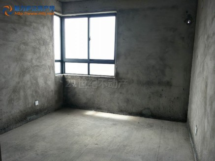 天润公馆 7字头瞰景大3房2卫 南北卧室拐角大窗户 性价比高 户型不错 视野超好