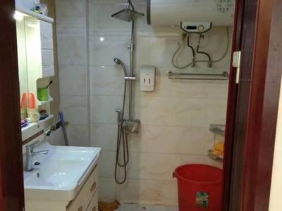 出租御龙湾1室1厅1卫60平米750元/月住宅