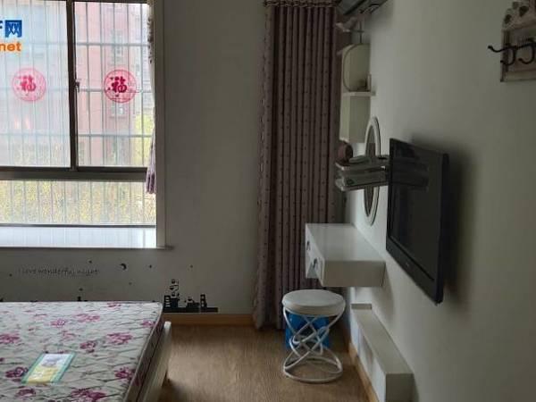 出租文元学府2室2厅1卫85平米,自住精装修1.65一年