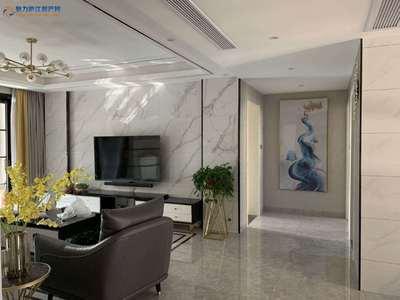 望湖城黄金楼层135平方米4室2厅2卫精装未入住135万