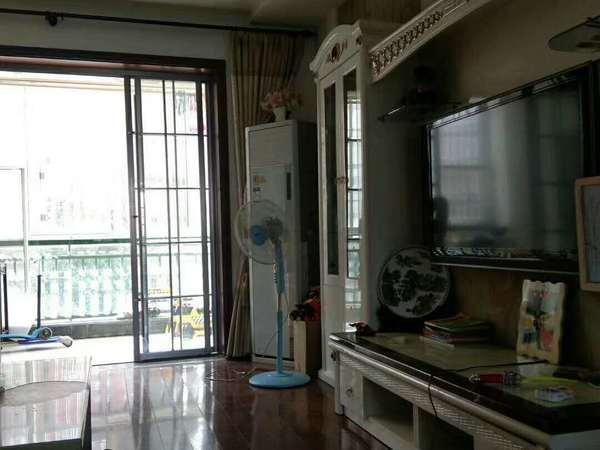 出售 秀水亭花园117平方 精装修 3室2厅2卫 好楼层93.8万