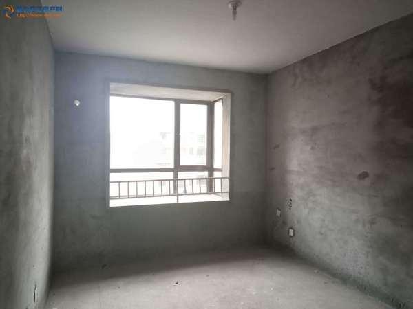 幸福世家 边户 产证满二 三室两厅 毛坯 安德利广场对面 有钥匙 随时看房