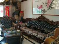 城东碧桂园一期,豪华装修200万,家具家电全进口。前后赠送250平大花园