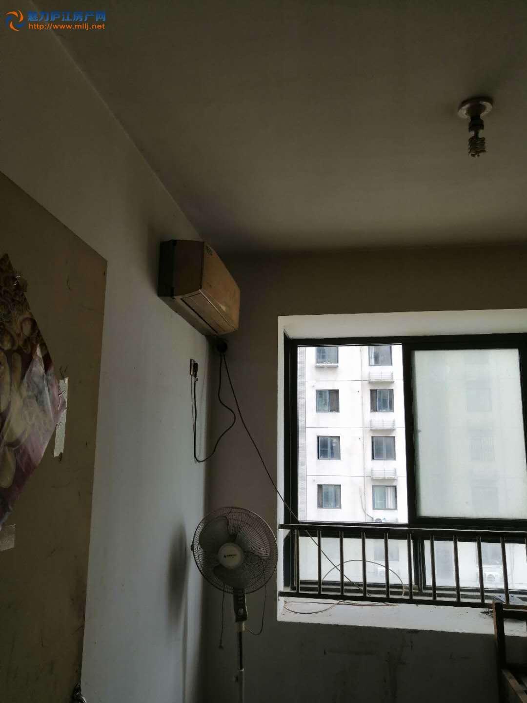 中心城一室一厅急租,家具家电都有