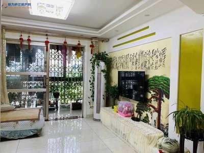 御龙湾电梯高层87平方米豪装2室2厅72万