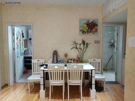磙塘新村黄金楼层产证面积80.44平实际面积93平3室2厅59万,精装20万。