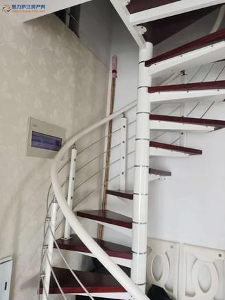 文元学府电梯复式产证113.2平4室3厅精装,满五唯一,111万