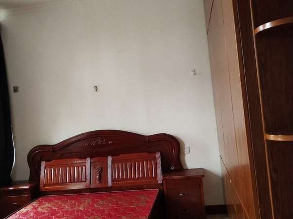 出租中医院后面安正家园3室2厅1卫;拎包入住