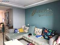 御龙湾 两室两厅 精装修 采光好 房主保养的非常好 急售