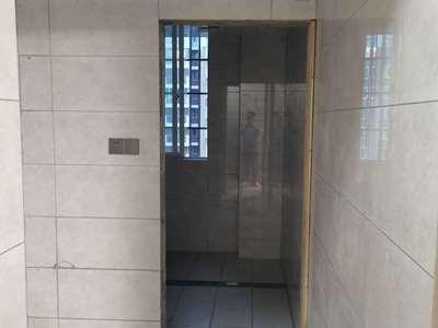 城西新村二期,电梯边户,豪装20万!家电家具齐全,拎包就住