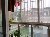 鸿福酒店对面的商品房小区,户型正,光线好,满五唯一,沿河景观房,双学区