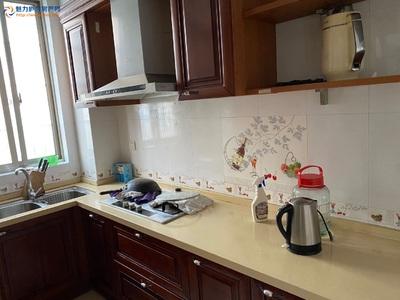 御龙湾2室出租新房整体出租家电齐全拎包入住冰箱洗衣机空调都有'