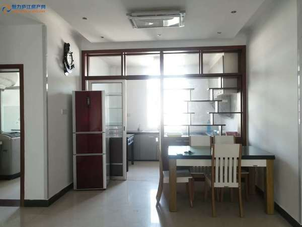 出租三里学区房 南北通透 精装三房两厅 拧包入住