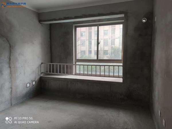 文元学府 138平米 4房2厅2卫 毛坯 框架结构 送储藏室 挂牌118万