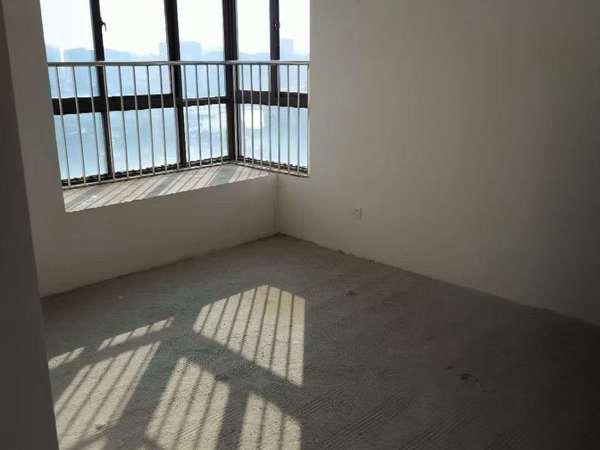 新庐国际 120平米边户 中上层 3房2厅 南北通透 采光好 挂价88万
