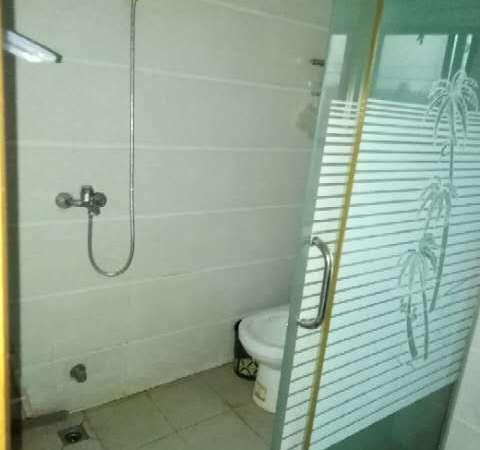 出租城西小学附近 中装 2室1厅 拎包入住 交通便利