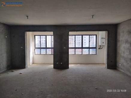 出售众发 阳光水岸3室2厅2卫118.2平米110万 电梯毛坯洋房 看房有钥匙!