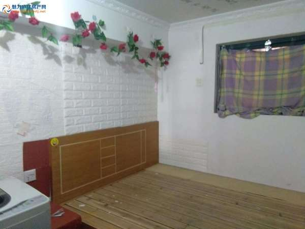 凤凰城一室一厅 基本生活设施齐全 适合单身上班族居住