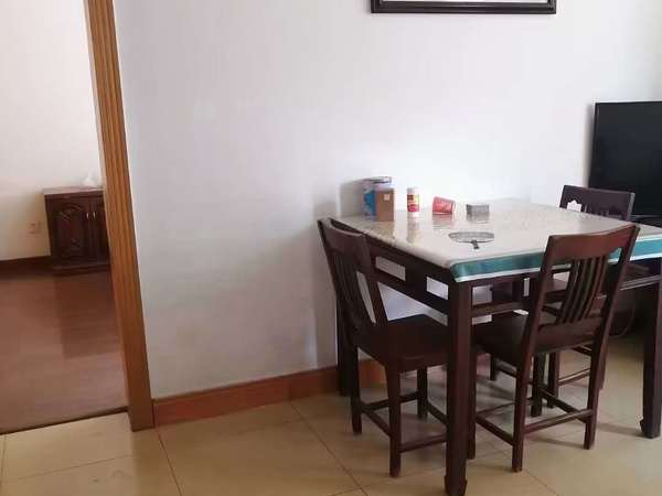 出租 磙塘新村2房2厅精装修 家电齐全 拎包入住 1.2万一年